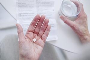 Come segnalare una reazione avversa ai farmaci